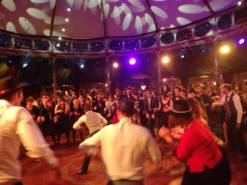 soiree-entreprise-vintage-retro-spectacle-initiation-danse-swing