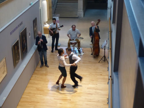 spectacle-scolaires-animations-danse-swing-doisneau-retro-vintage-lindyhop-bebel