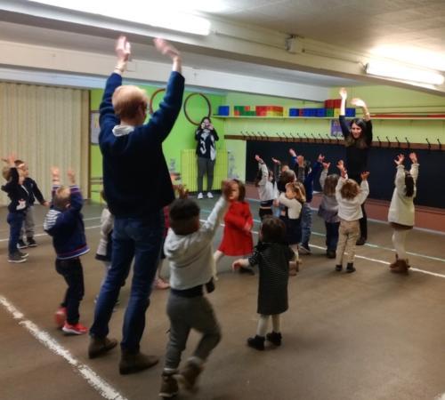 ateliers-enfants-ecole-scolaires-maternelles-danse-swing