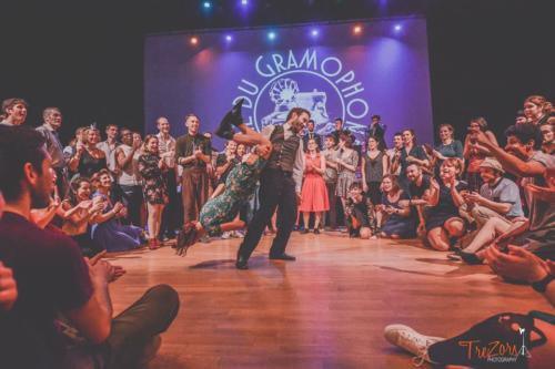 acrobaties-danse-swing-show-musqiue-concerts-la-swingfactory-jazz