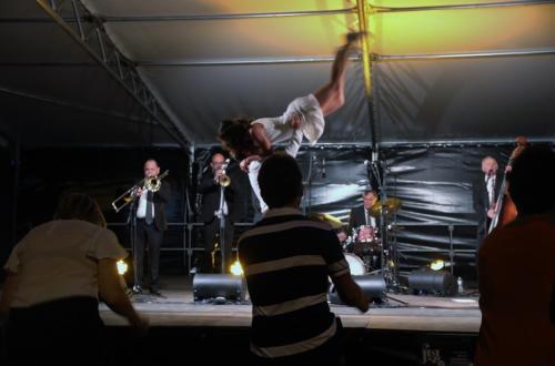 acrobaties-jazz-swing-rock-danse-concert-bal-claquettes-annees-folles